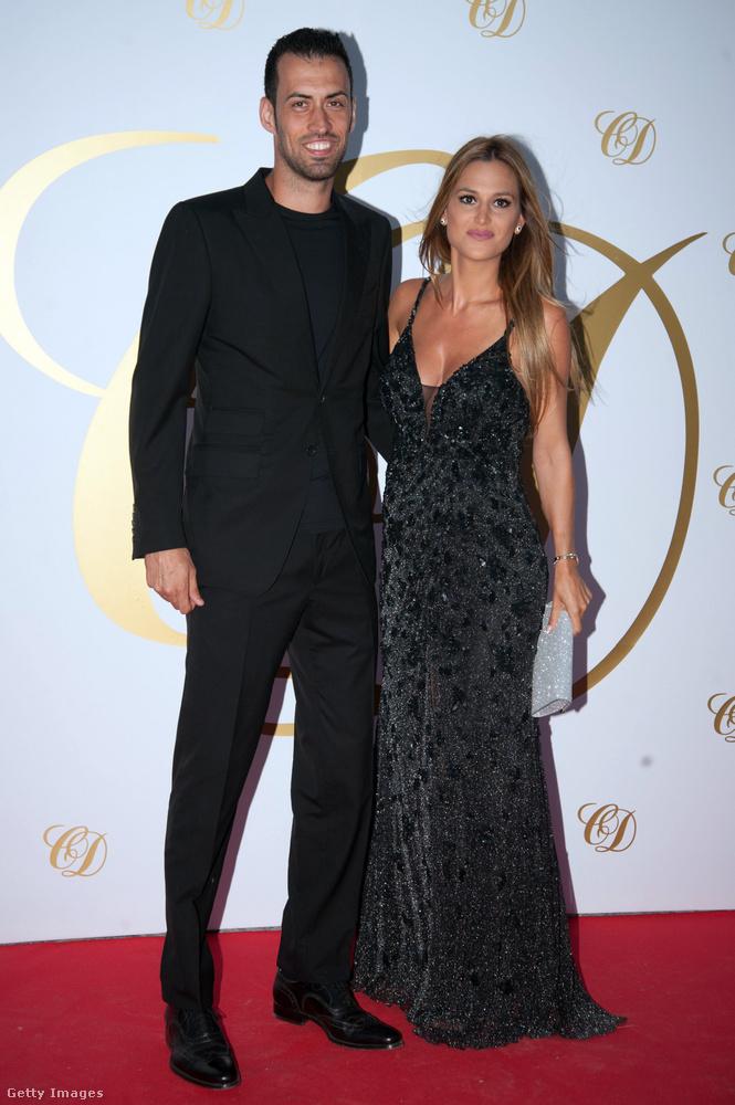 Sergio Busquets és Elena Galera a napokban ünnepelték többek között ezzel az instaposzttal, hogy 8 éve házasok, de ők is csináltak egy attraktív, közös, babavárós fotót annak idején.