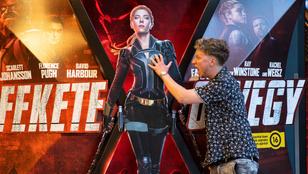 Miskovits Márton Scarlett Johansson mellét tapogatta a Fekete Özvegy premierjén