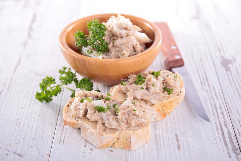 Selymes tonhalkrém villámgyorsan: pirítósra vagy mártogatósnak zöldségek mellé