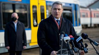 Lázár János: Műszakilag elkészült a tram-train