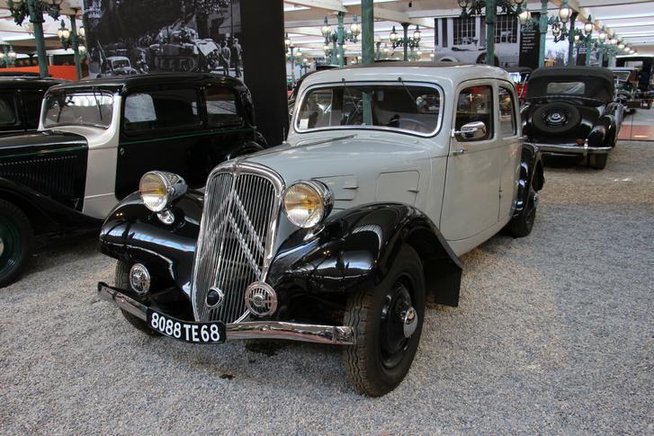 Talán a legismertebb háború előtti elsőkerék-hajtásos autó a Citroën Traction Avant