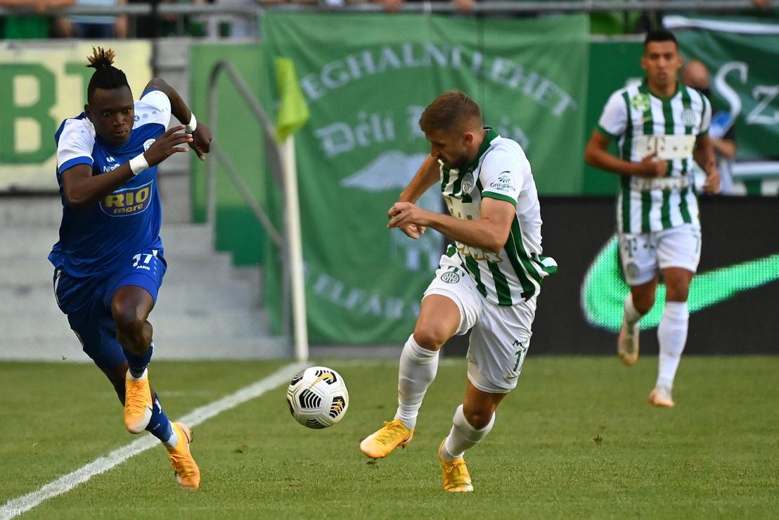 Oto John az FC Prishtina és Eldar Civic a Ferencvárosi TC játékosa a labdarúgó Bajnokok Ligája selejtezőjének 1. fordulójában játszott mérkőzésen a budapesti Groupama Arénában 2021. július 6-án.
