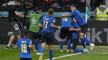 Drámai csatában az olaszok jutottak elsőként az Eb-döntőbe