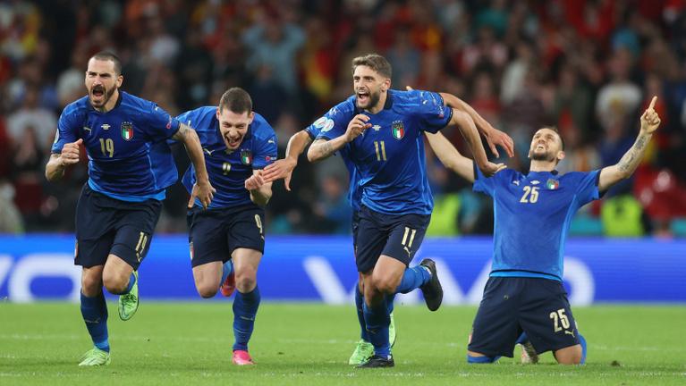 Olasz remekmű, csodálatos, vesztes spanyolok