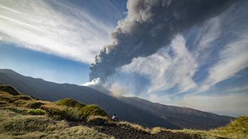 Hamu fedi Cataniát, megint kitört az Etna