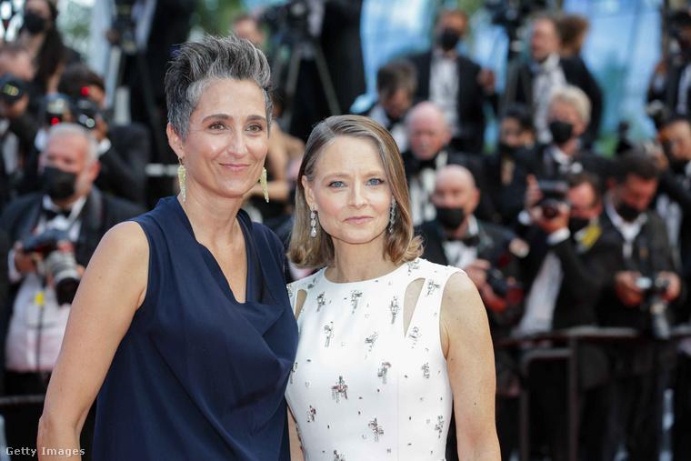 Térjünk át egy másik párra, Jodie Fosterre és Alexandra Hedisonra