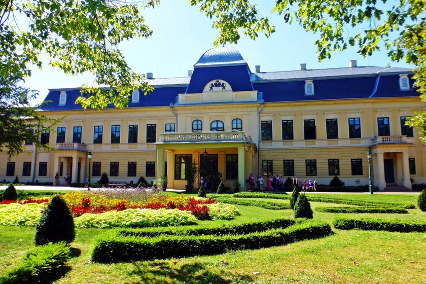 A gyulai Almásy-kastély.