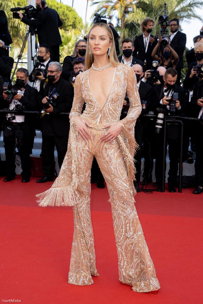 Candice Swanepoel modell is egy ruhaparafrázisban megnyitózott, egészen konkrétan