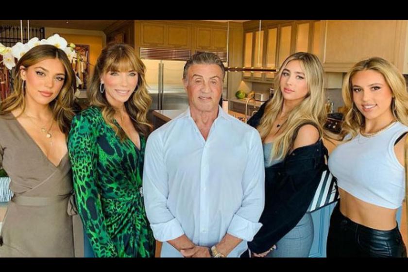 """""""Az én csodálatos családom a legjobb szülinapi ajándék, amit valaha kaptam"""" - fogalmazta Stallone szeretteiről."""