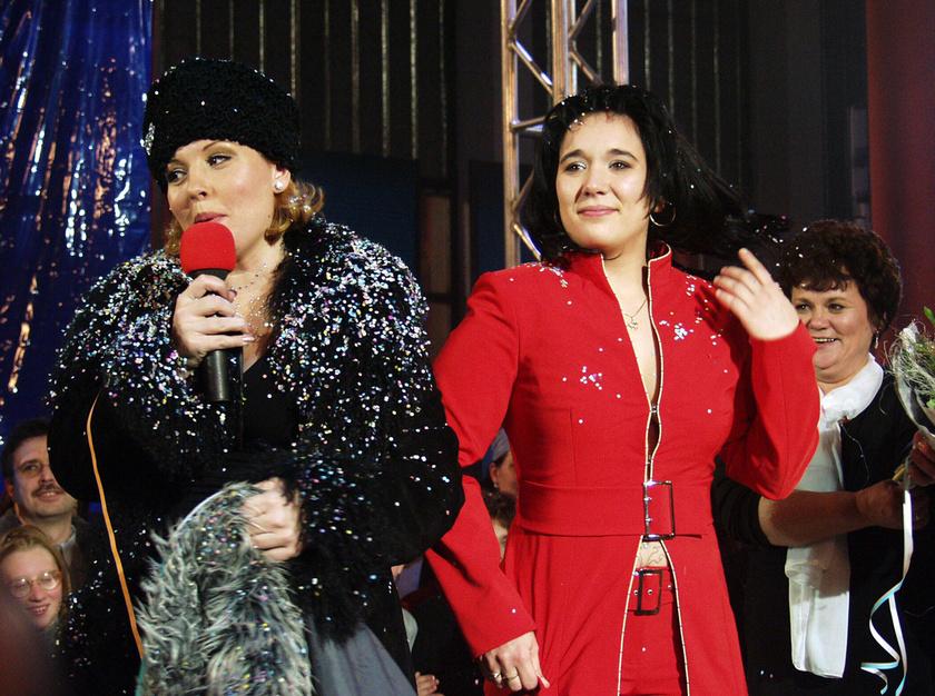 2002. december 22-én Párkányi Éva nyerte a nézők szavazatai alapján a Big Brothert. A képen Liptai Claudia műsorvezető és a nyertes, BB Évi.