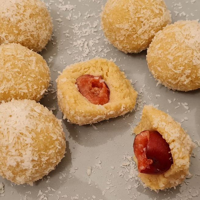 Sütés nélküli fehér csokis kókuszgolyó: pillanatok alatt elkészül az édesség