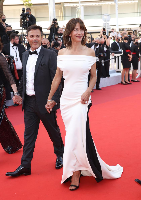 Sophie Marceau a Tout s'est bien passé című új filmjének vetítése alkalmából jelent meg színésztársaival a fesztiválon.