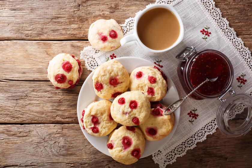 Mennyei ribizlis keksz: a finomság tésztája joghurttól lesz omlós