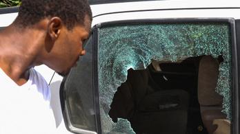 Hajtóvadászat indult a haiti elnök merénylői után, hat embert őrizetbe vettek