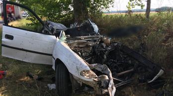 Halálos baleset Somogy megyében, teherautó és személyautó ütközött