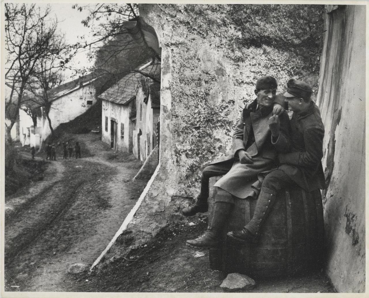 Sebesült bajtársaim, Esztergom, 1915. január