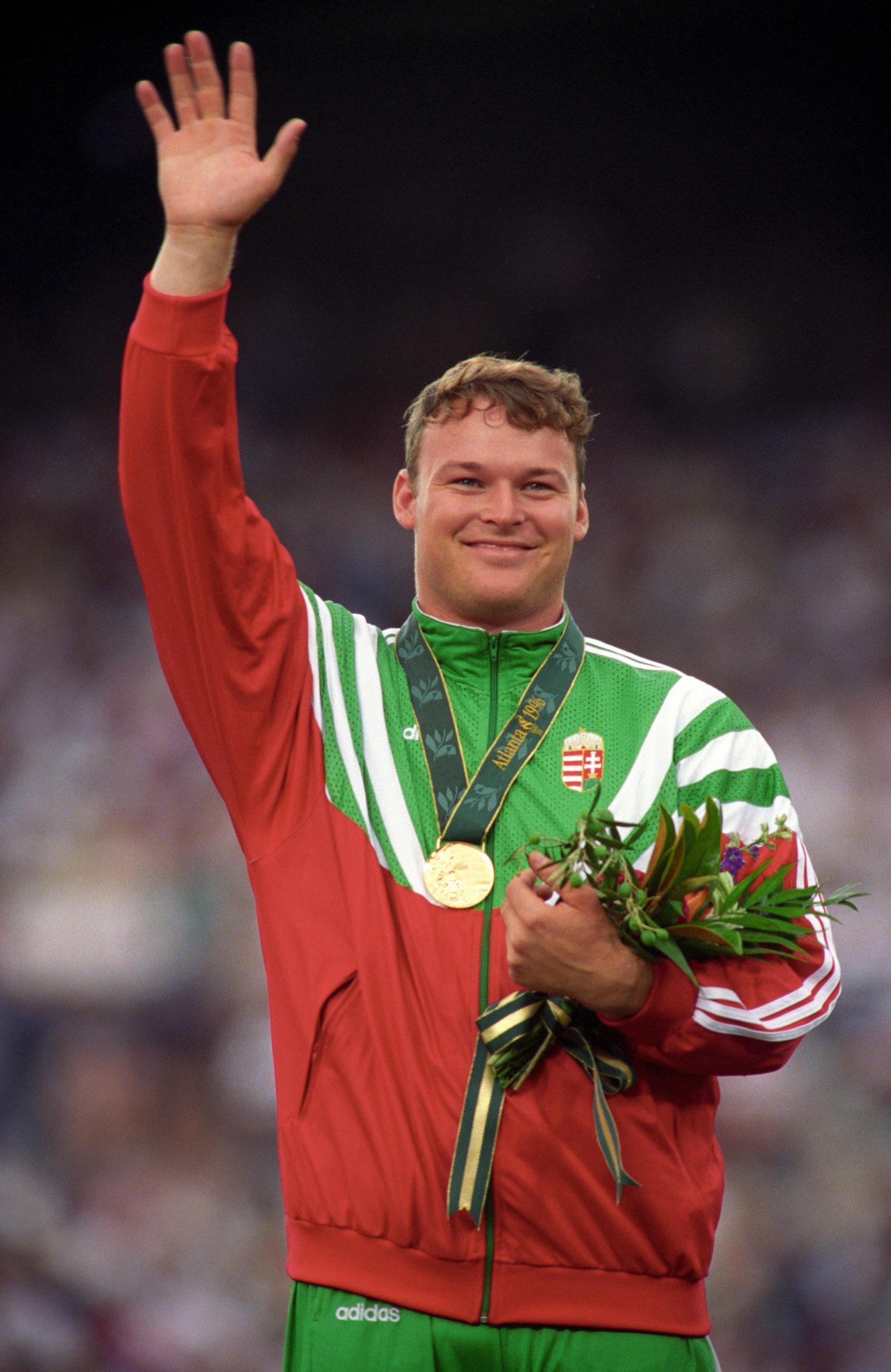 1996-ban kalapácsvetésben magyar aranyérem született. Kinek köszönhetően csendült fel a Himnusz?