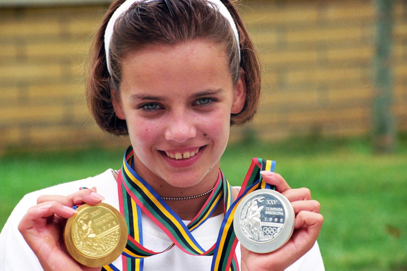 A magyar tornászlány 18 évesen lett olimpiai bajnok 1992-ben. Kit látsz a képen?