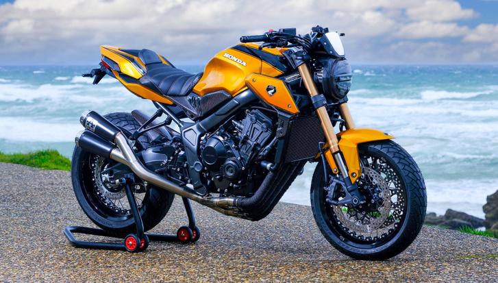 CB650R KarbOne Edition - építő: AZ Moto, Rouen, Franciaország