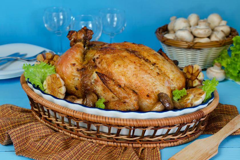 Mennyei, szaftos fokhagymás csirke egészben sütve: imádni fogja a család