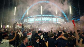 Kirúgták az angol szurkolót, aki beteget jelentett, hogy ott lehessen a Wembley-ben