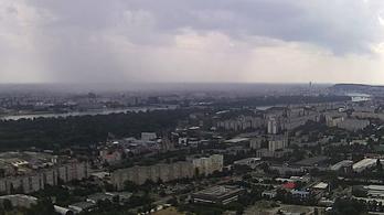 Megérkezett a vihar, és elmosta a fél Dunántúlt, zuhogott Budapesten is