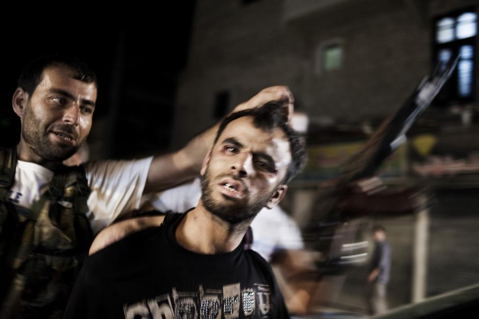 Hír kategória, sorozat - Első hely Harcok szíriában