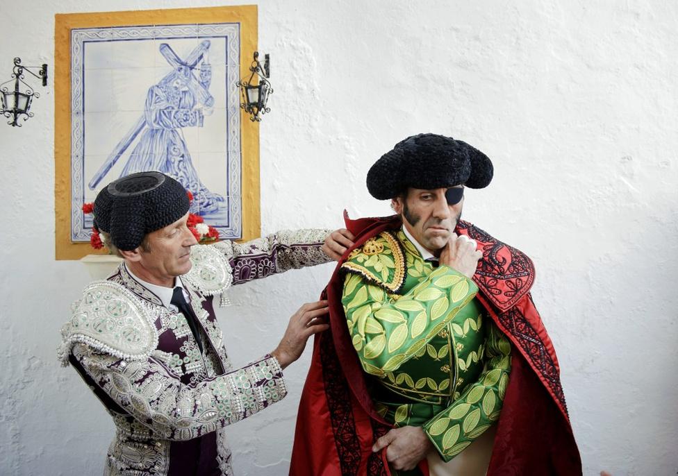Spontán portré - Második hely A 38 éves matador a játék során elveszítette szemét, és részlegesen megbénult a bika ejtette sérülések nyomán.