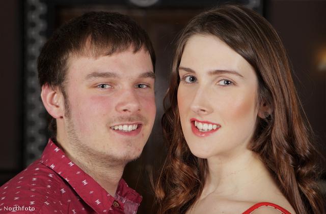 Jackie Green, a legfiatalabb brit transzszexuális barátjával, Kyle Mearrel