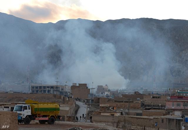Eddig 81-en haltak meg a Pakisztán délnyugati részén fekvő Quetta piacán elkövetett szombati robbantásos merényeltben