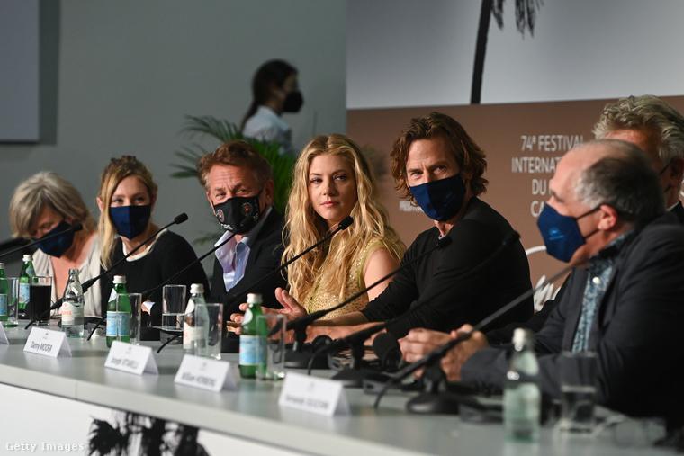 Flag Day - ez a címe az egyik filmnek, amelyet a hétvégén bemutattak Cannes-ban