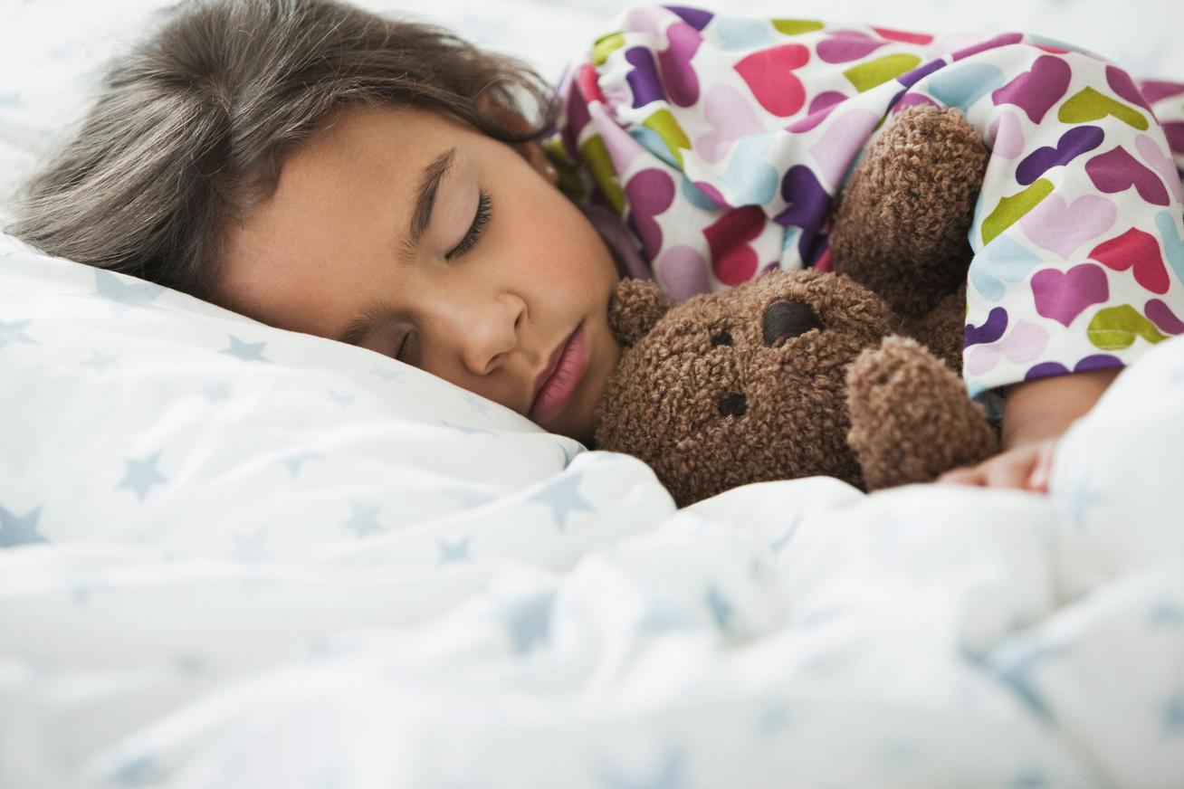 alszik-kislany