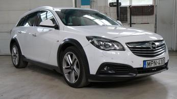 Fotelnepper: Opel Insignia Country Tourer 2.0 CDTI Bi-Turbo – 2014.