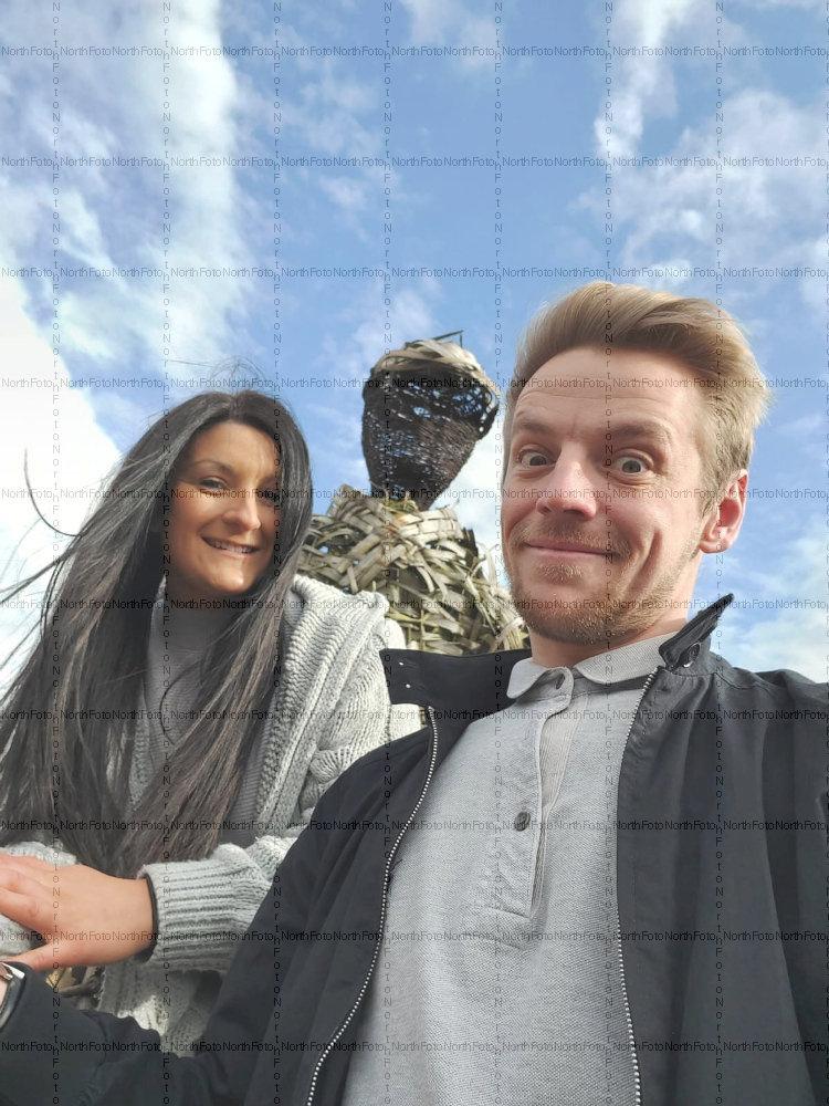 A 27 éves Emily Morgan és a 29 éves Jamie Mullineux a Tinderen ismerkedett meg egymással