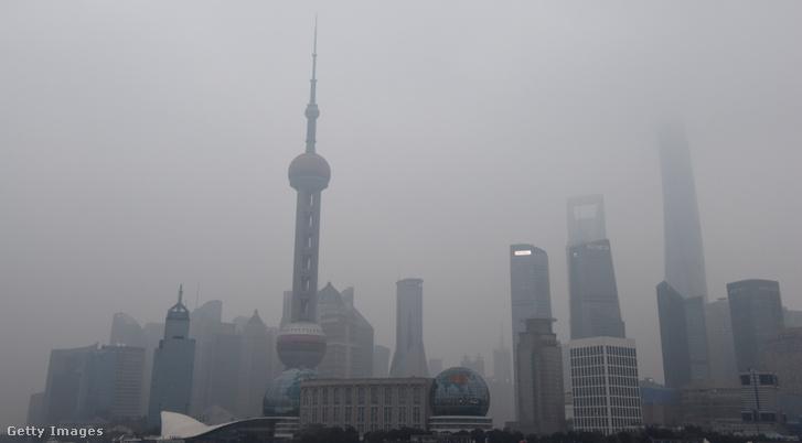 Légszennyezés okozta szmog Sanghajban, 2014. december 21-én