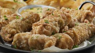 Jalapeñóval és sajttal töltött mexikói csirke – csípős, avokádós kukoricasaláta mellett tálald!