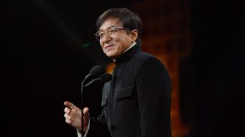 Jackie Chan szeretne belépni a Kínai Kommunista Pártba