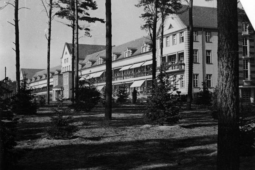 1930-ban, a két világháború között készült ez a kép a Beelitz-Heilstätten kórházról, ebben az időszakban folyamatosan bővült és fejlődött az intézmény.