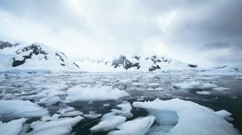 Tavakat talált a NASA az Antarktisz jege alatt