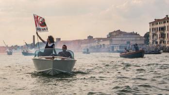 Többé nem vernek hullámokat a tengerjárók Velencében