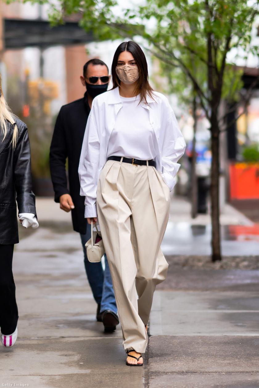 A paperbag nadrágok a hétköznapokban és elegánsabb alkalmakkor is remekül mutatnak, és egy derékövvel rengeteget karcsúsítanak az alakon. A vékony és vastagabb övek egyaránt jól mutatnak ezzel a ruhadarabbal.