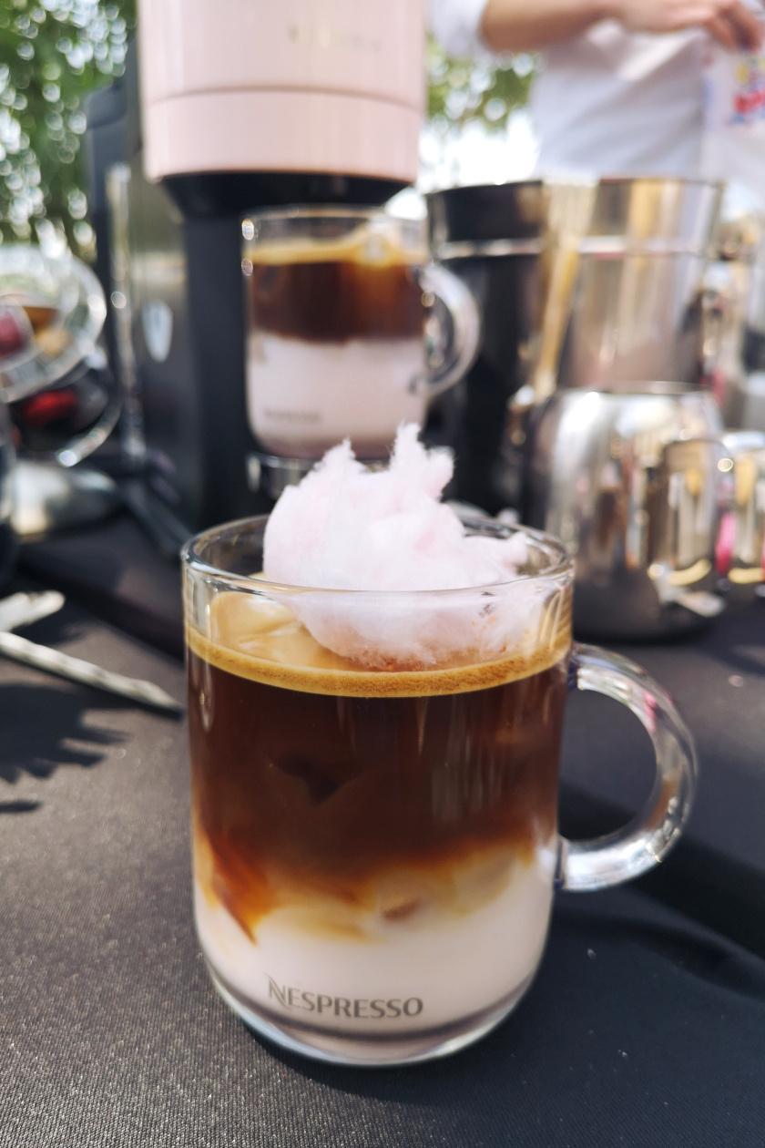 vattacukros kávé álló
