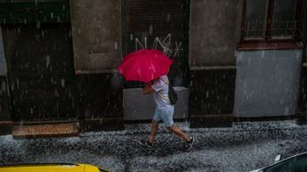 Elmossa az országot az eső, a hétvégénknek is annyi
