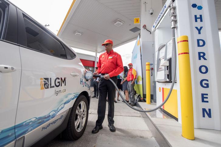 a7 Hydrogen refuelling stationb