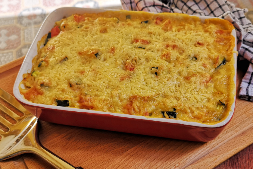 Krémes vöröslencse-rakottas cukkinivel - Gyorsan elkészül a tápláló ebéd