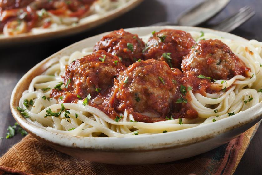 Húsgombócos, paradicsomos spagetti: nem csak a gyerekek vannak oda érte