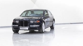 A sosem látott 7-es BMW 1996-ból