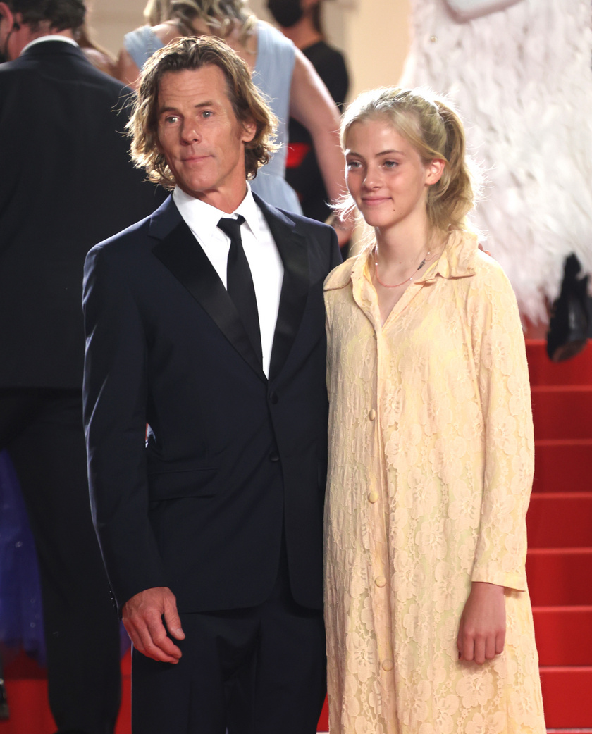 Hazel édesapját kísérte el a cannes-i filmfesztiválra.