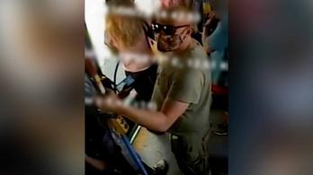 Keresik azt a férfit, aki betörte egy utastársa orrát a BKK egyik járatán