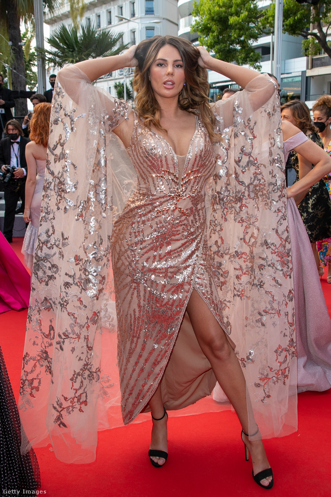 Vass Zita Kaliforniában élő magyar színésznő-modell is megérkezett Cannes-ba